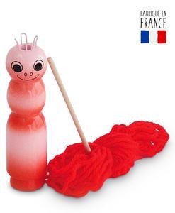 Tricotin en bois massif laqué rouge avec sa laine et son aiguille en bois - Qualijouet